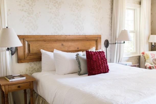 Manoir Hovey Hotel Tour on Map & Menu