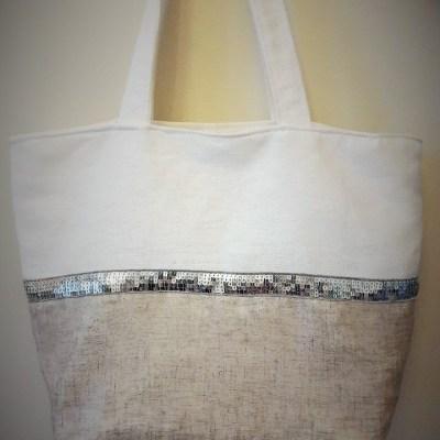 Le sac de plage en lin épais et tissu irisé