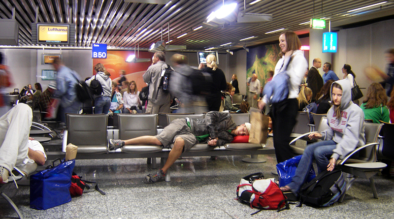Your Guide to Sleeping (but not Snoring) in Airports via @maphappy