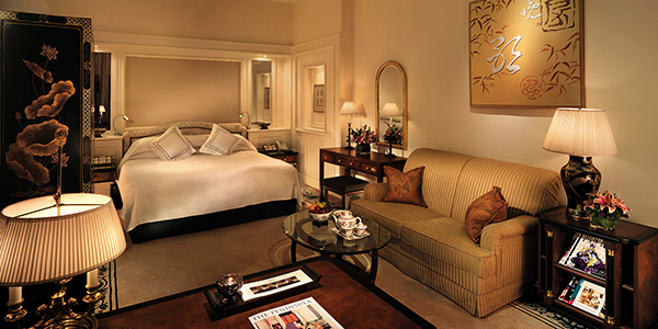 Inside a typical room. (Courtesy of the Peninsula Hong Kong.)