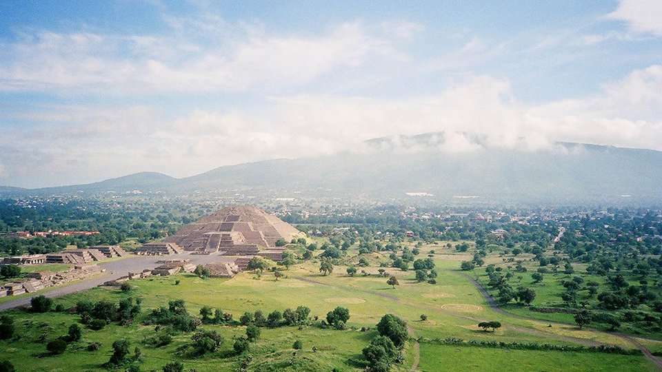 The Mayan ruins of Teotihuacan outside D.F. (Claire L. Evans / Flickr)