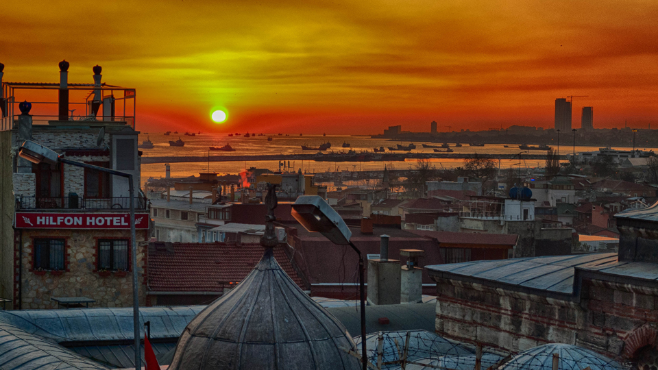 Turkish Airlines' Ridley Scott Film Captures the Beauty of Istanbul via @maphappy