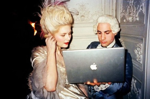 35-behind-the-scenes-photos-of-marie-antoinette-2-9253-1408332201-0_dblbig