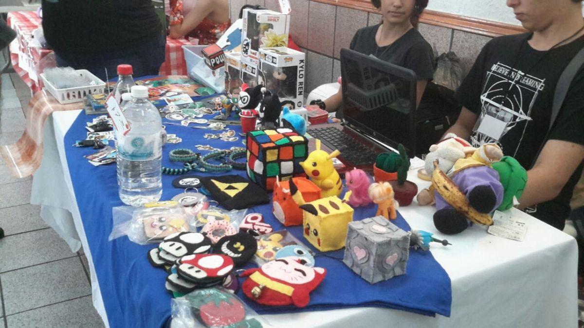 Bazar mensal em Manaus reúne nerds para comprar e vender suas coleções