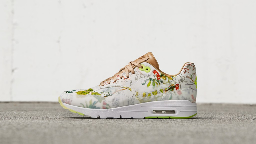 NikeCourt-X-Liberty-Air-Max Maple Mag