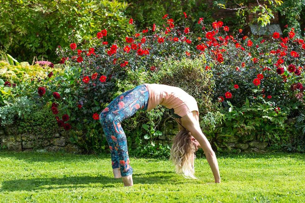 Wheel pose - yoga poses to increase blood flow on your wedding day