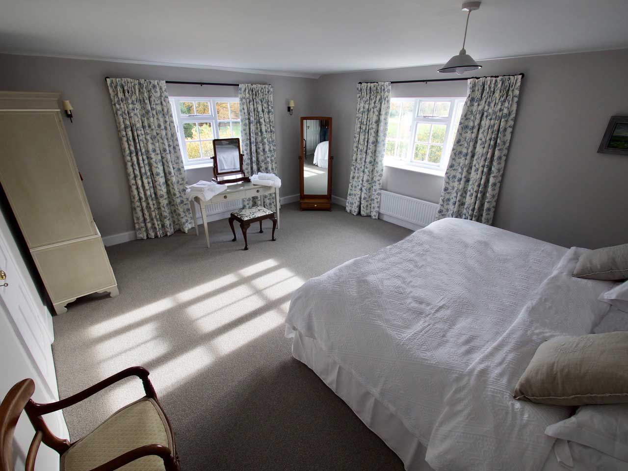 The Garden Cottage Bridal Suite - wedding accommodation in Dorset