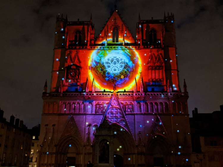 Genesis_Lyon_2019-Cathedrale Saint-Jean-MappingMotion