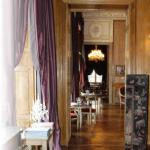 Romantic dinner in Paris: Restaurant 1728