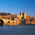 travel guide avignon