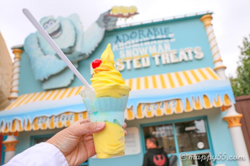カリフォルニアアドベンチャーにあるアドーラブルスノーマンフロステッドトリートのレモンパフェ