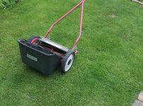 芝生の密度を上げる方法