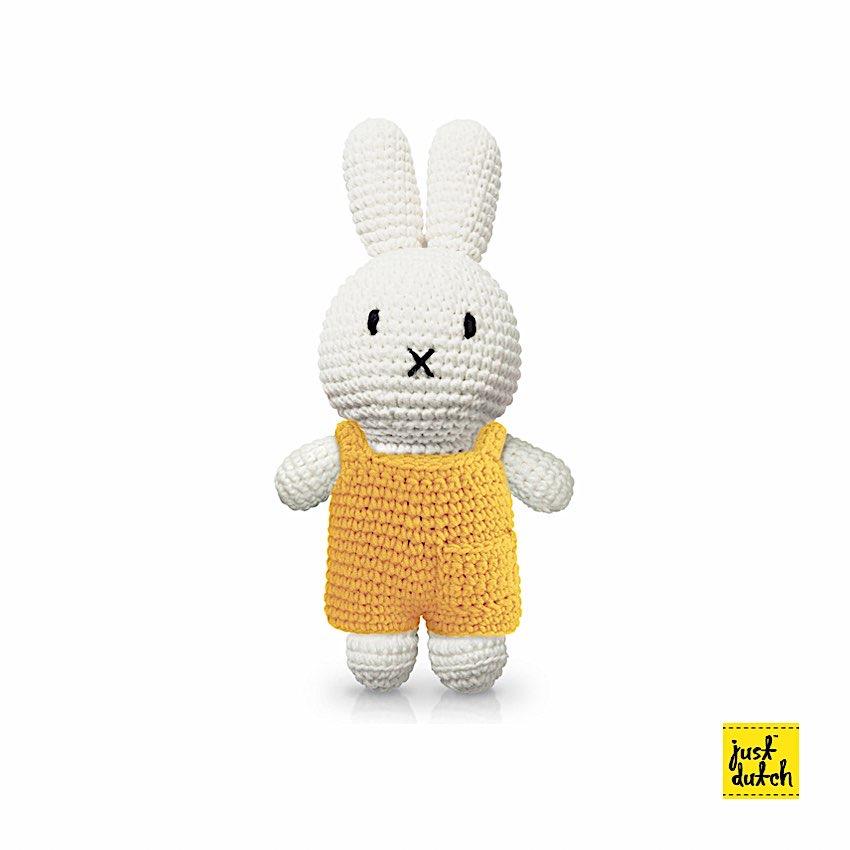 Miffy Salopette - Just Dutch - Miffy est LE doudou rêvé pour vos enfants. Ses différents vêtements en font autant de personnages.