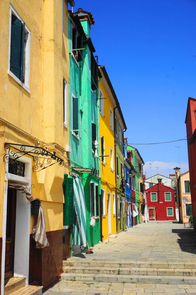 what to do Burano, Italy - colorful houses and alleyways