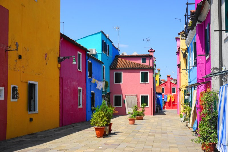 what to do Burano, Italy - colorful houses and alleys