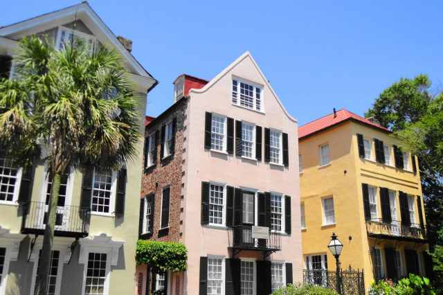 A Beginner's Guide to Charleston, South Carolina: 15 Must-See Attractions