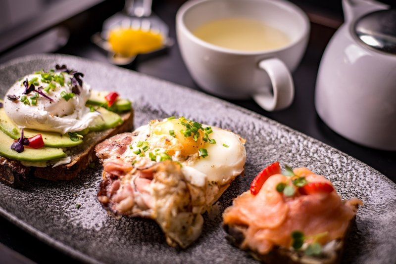 top Washington DC tourist attractions - bottomless brunch