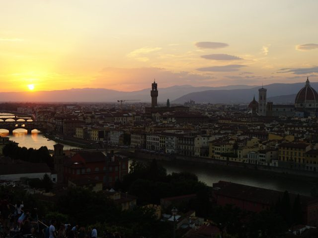 Discover top photo spots in Florence, Italy! Learn best places to snap Insta-worthy pictures in the city.