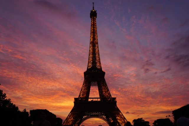 Find the best photo spots in Paris! Discover Paris's most Instagrammable locations with this photo guide to the City of Lights!