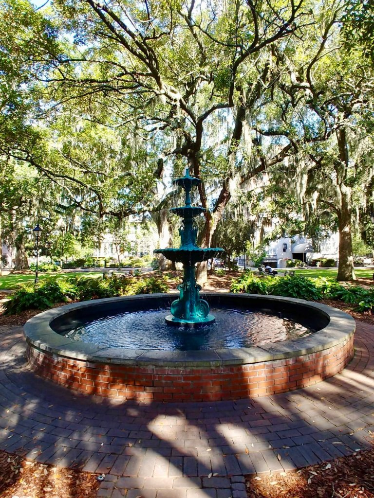 Discover the top photo spots in Savannah, Georgia!