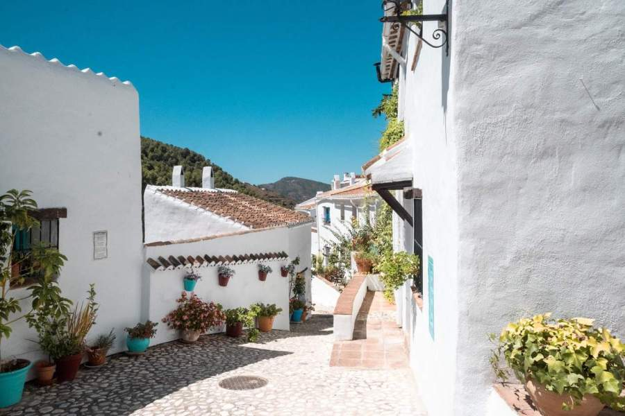 Andalucia-Vicoria-Guide-Your-Travel-Best-Hiking-in-Spain