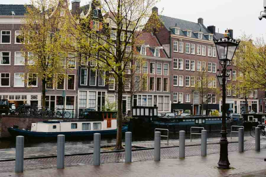 The best camping in Europe ordaan-Amsterdam-Cynthia-and-Alexander-places-of-juma