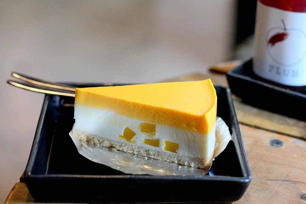 Mango cheesecake - Canon 50mm