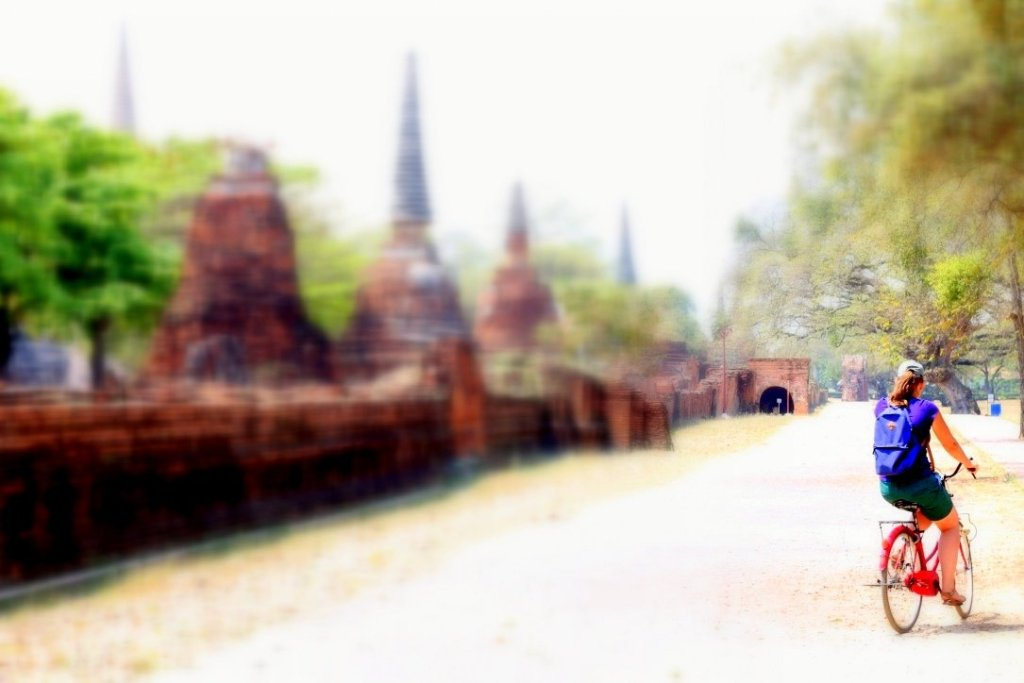 Cycling around the ruins of Ayutthaya
