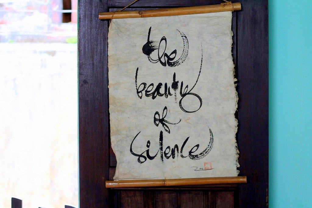 Sign: The beauty of silence