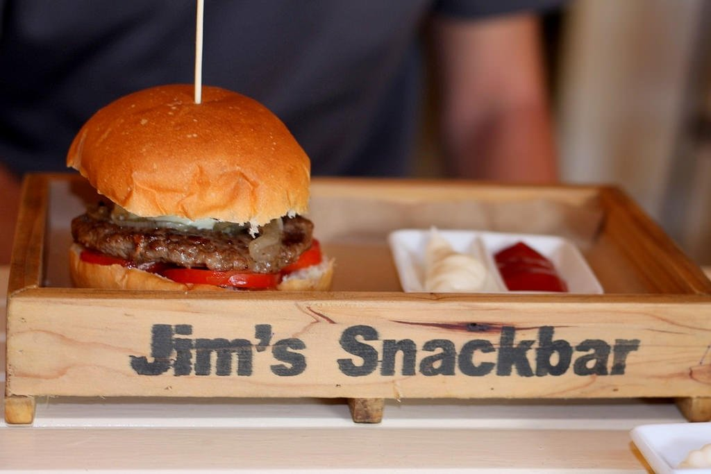 Hoi An guide_Jims_snackbar