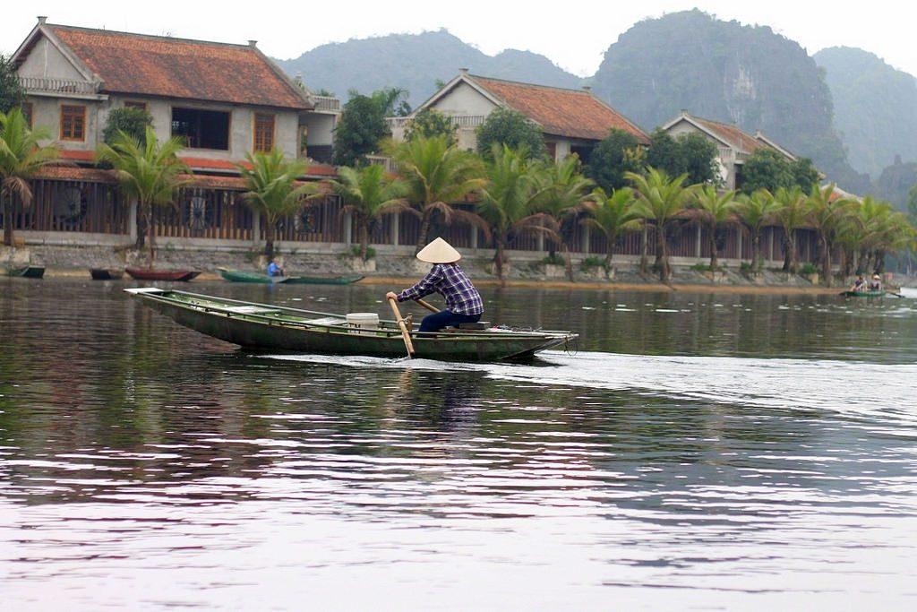 Vietnam guide, boat ride