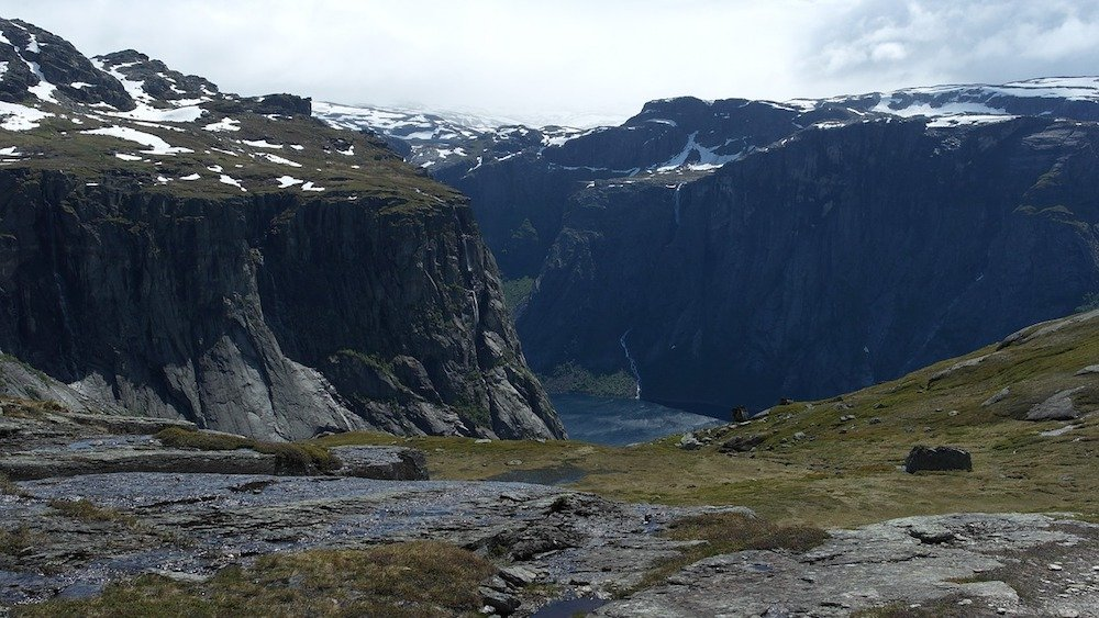 Trolltunga norway hiking