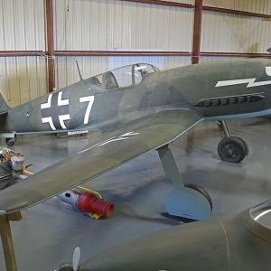Maquetas hechas - heinkel-he-100 Vista frontal lateral