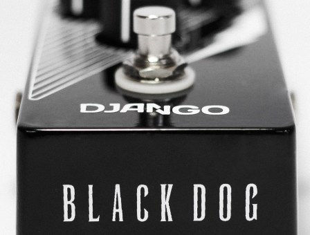Django Pedais Black Dog Fuzz