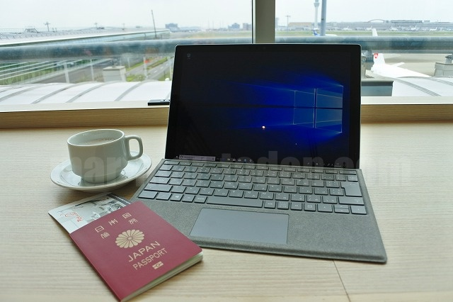 Surface Pro LTE Advanced羽田空港
