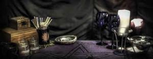Le matériel de la magie blanche et de la magie noire-Grand Prête Vaudou Kokouvi.