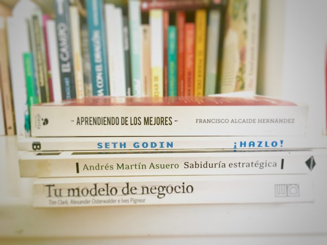 4 libros imprescindibles para  desarrollar un proyecto