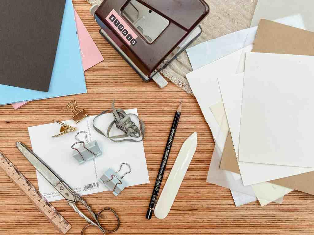 Materialien-für-dein-Art-Journal-im- Postkartenformat