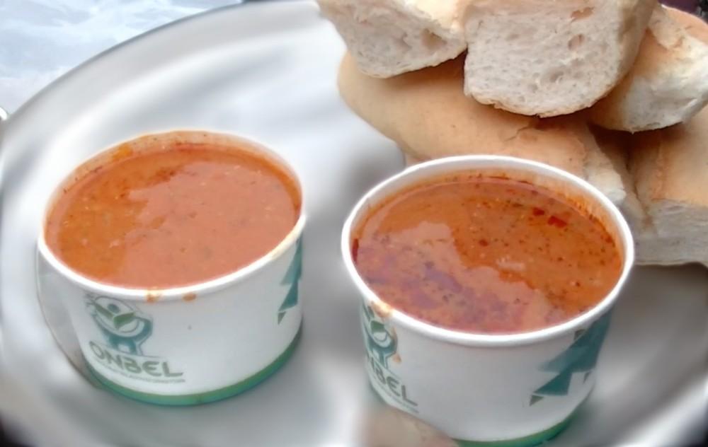 Pazar esnafına sıcak çorba ikramı