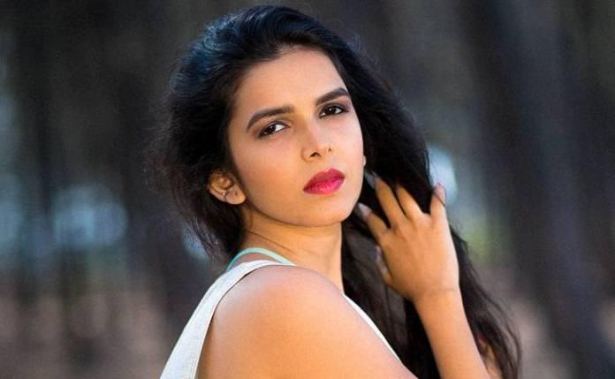Marathi Actress Mitali Mayekar