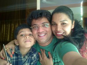Atul Todankar With Wife Madhuri and son Shourya