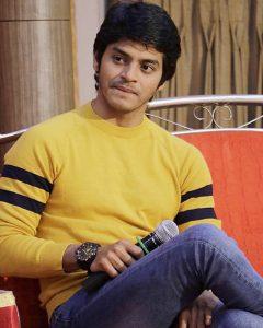 Challenging Roles Are Always Interesting- Abhijit Amkar   Takatak Chat   Selfie Video