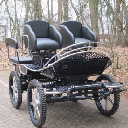 Easy-step Marathon carriage Horse Attila