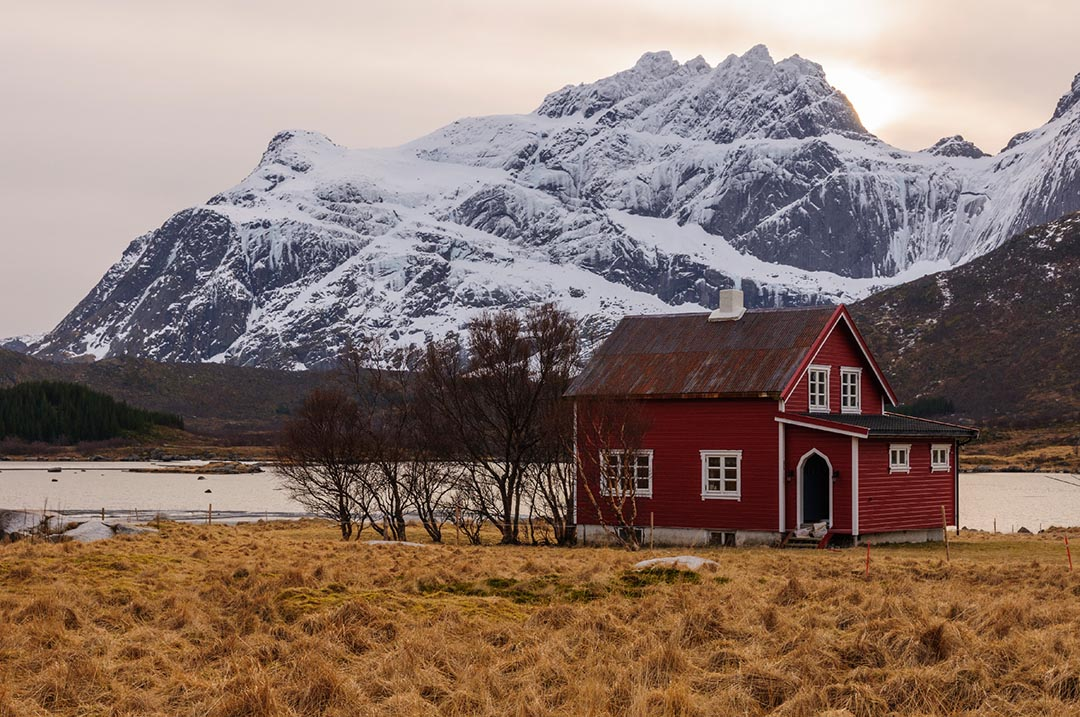 Photography workshop Lofoten islands, winter. Rorbu.