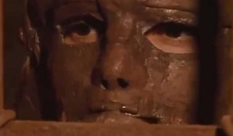 mascara de hierro 2