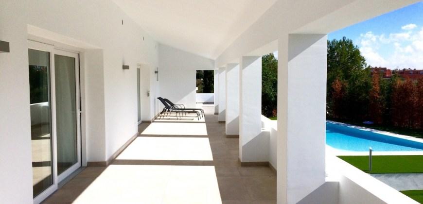 Excelente villa moderna