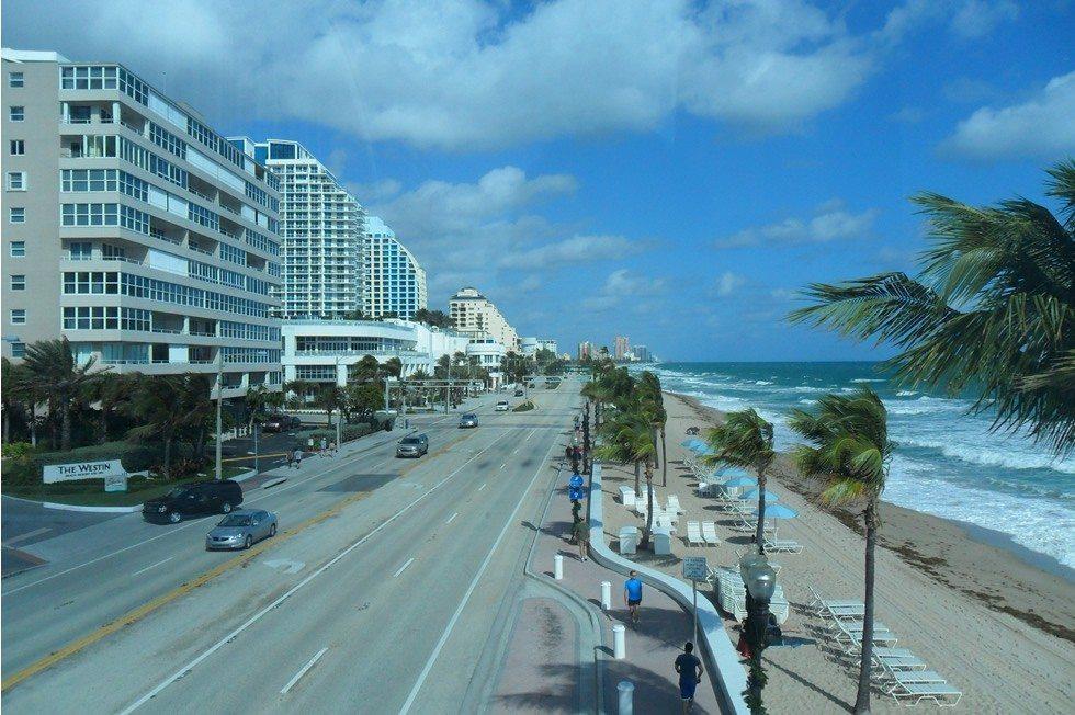 Fort_Lauderdale_Beach,_FL-33bb647ee9