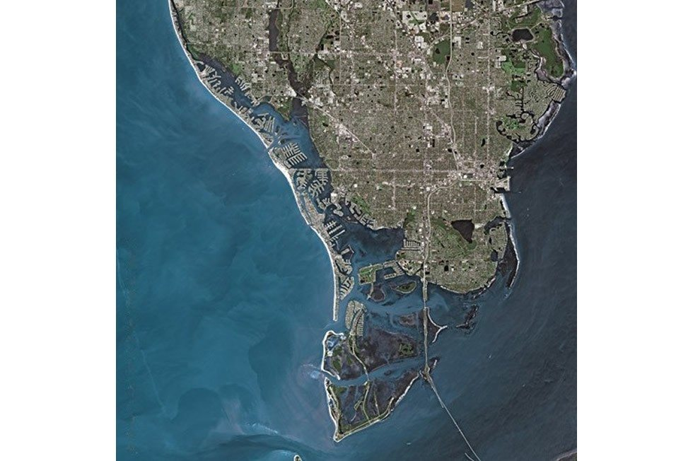 St._Petersburg_(Florida)_SPOT_1287-a9bfbec02f