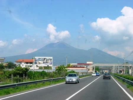 mount vesuvius Italy image