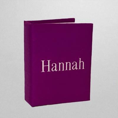 AHB7-SS-Fuchsia-Silk-Style-107-Oyster-Thread-Hannah